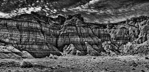 The captivating strata on the highway north of Albuquerque, New Mexico