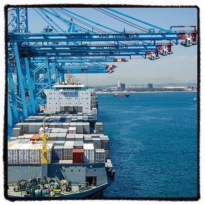 View from the bridge of Maersk Bali whle in port in Algeciras. Utsikt fra broen på Maersk Bali mens hun er i havn i Algeciras.