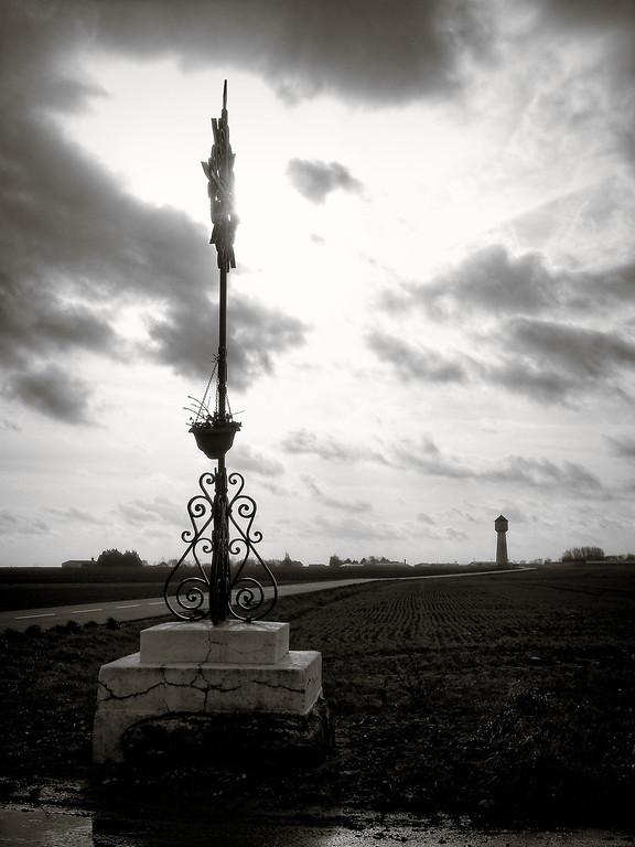Croix du chemin de pélerinage,<br /> dans les plaines de Beauce