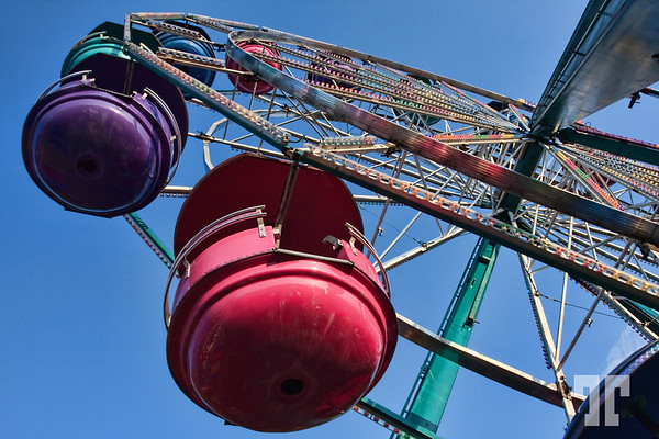 Amusement park high wheel