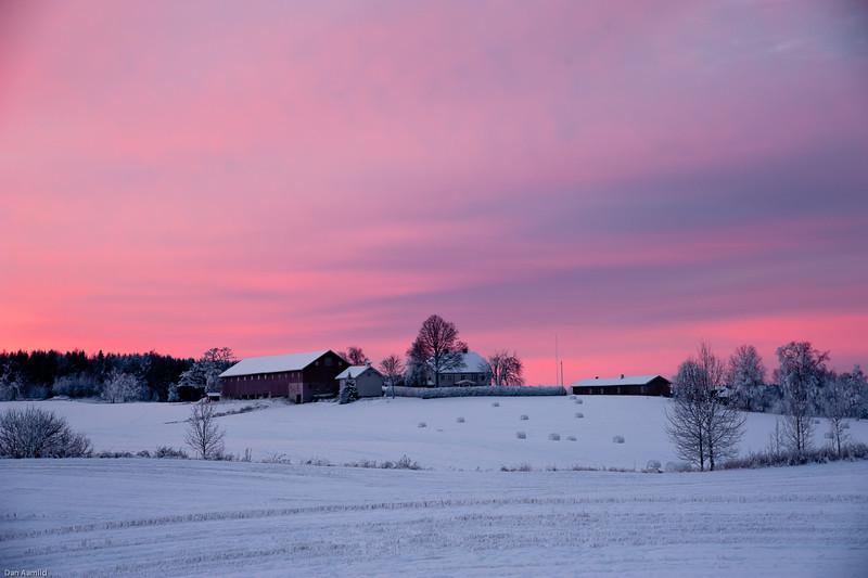Morgenrød over Burum, Ås. 10.12.2010