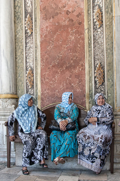 Three ladies at the entrance to the Blue Mosque