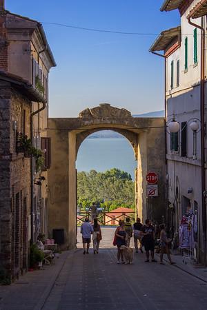 Gateway, Castiglione Del Lago