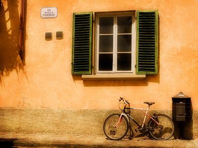 Left Flat in Lucca