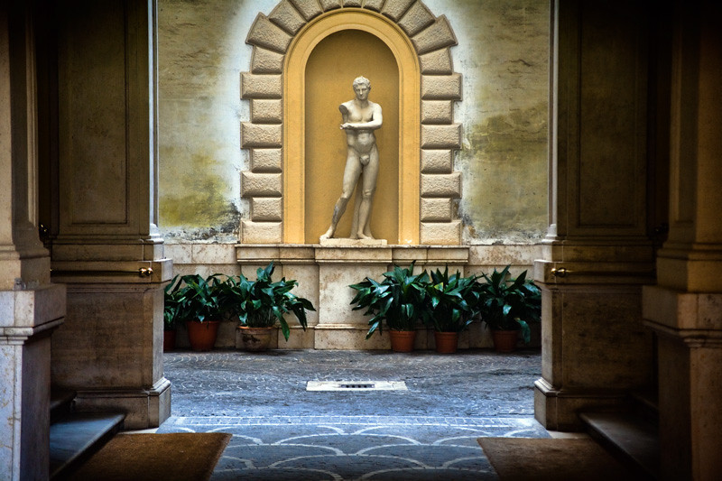 Entryway with Statue - Rome