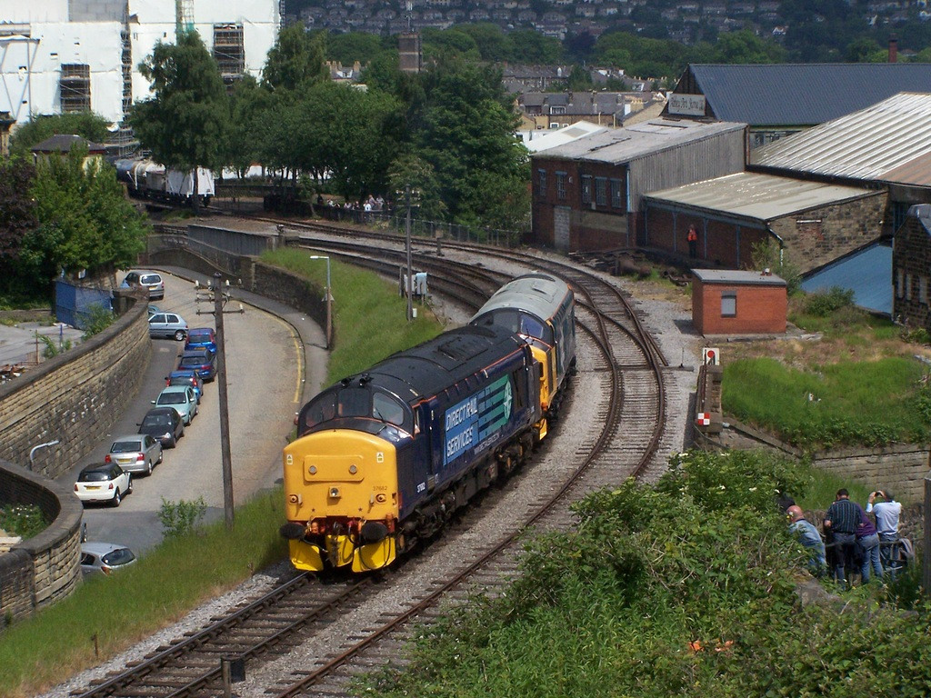 37682 and 37025, Keighley.