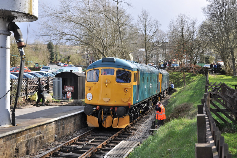 26038 and 25059, Oxenhope.