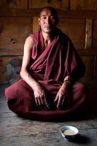 Tranquil monk-Dipu Monastery