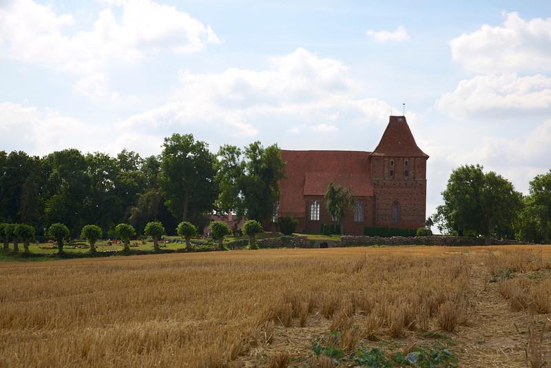 Dorfkirche zu Hohenkirchen 1