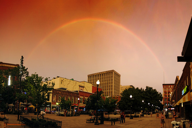 Market Sq Rainbow Pan 1