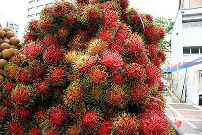 Rambutan, a type of lychee and Dragon Fruit were in abundance in Chinatown
