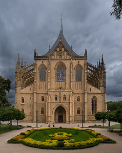 St. Barbara Cathedral, Kutna Hora - minutes before a storm