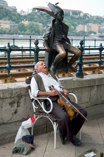 <h4> Siesta</h4>Budapest, Hungary