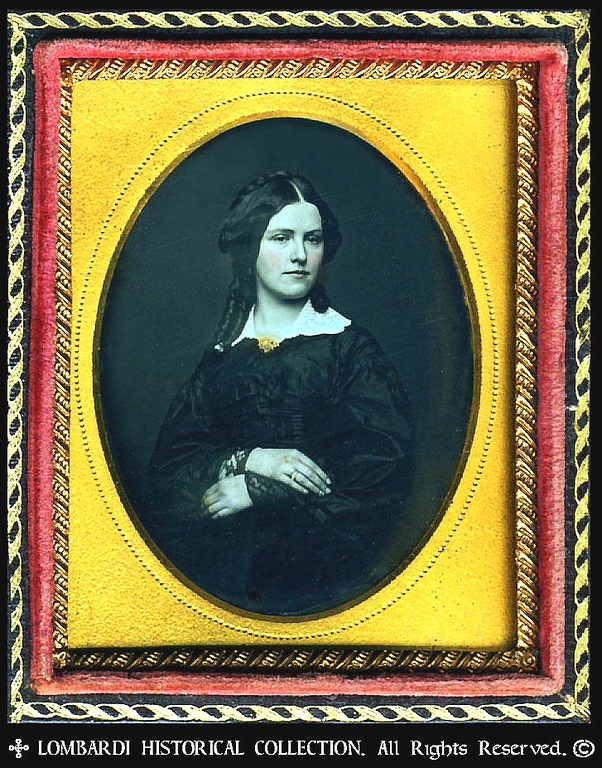 1/9 Plate DAGUERREOTYPE. W/Full case.<br /> <br /> Woman. ca. 1845.