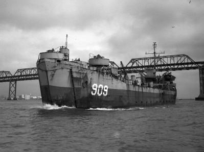 USS LST-909