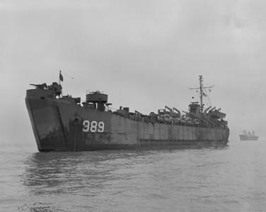 USS LST-989