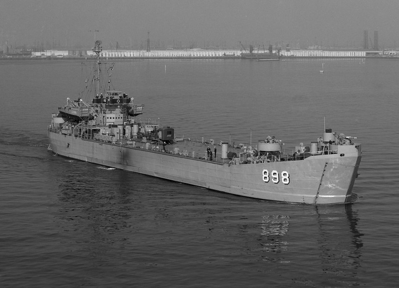 USS Lincoln County (LST-898)