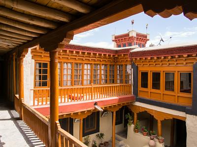 Stok Palace, Stok