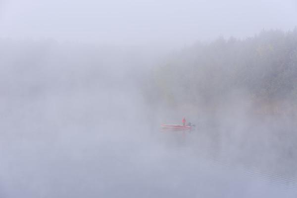 Fall Fishing on Lake Alvin