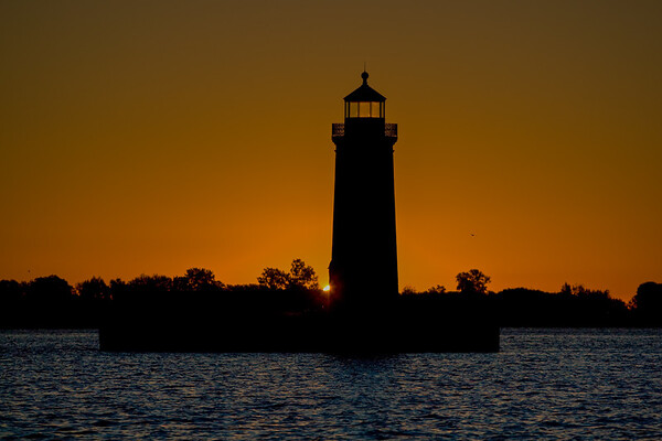 Lake St Clair Chanel Light
