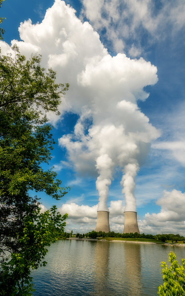 Nuclear reactor along a reservoir in Tennessee called Watts Bar