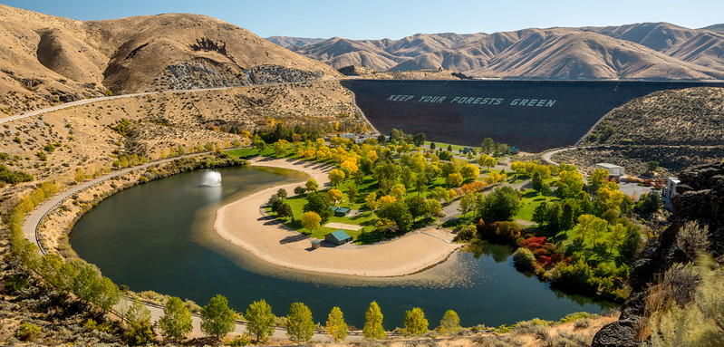 Fall colors on the Boise River at Luckypeak Dam