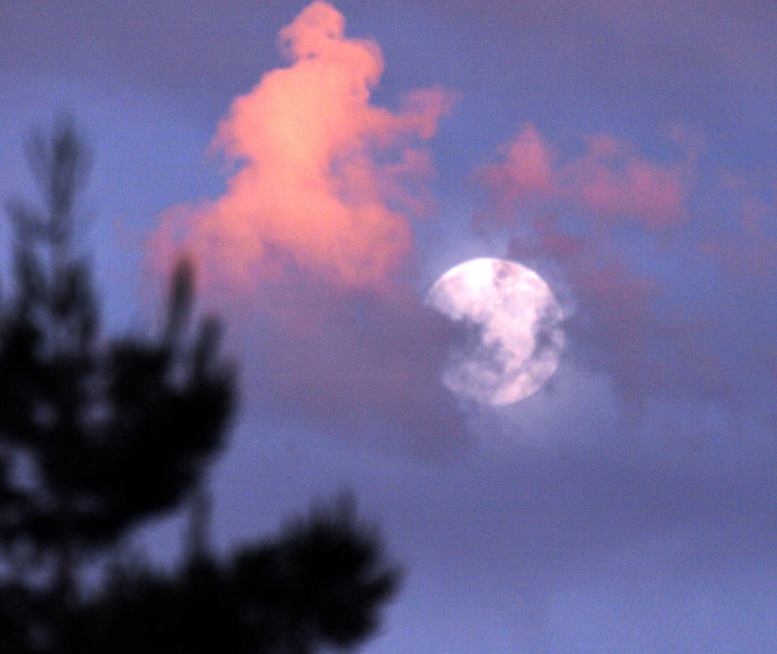 Cordelia Moon Rise and clouds