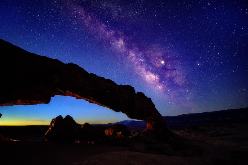 Devils Arch in Escalante Utah with Milky Way