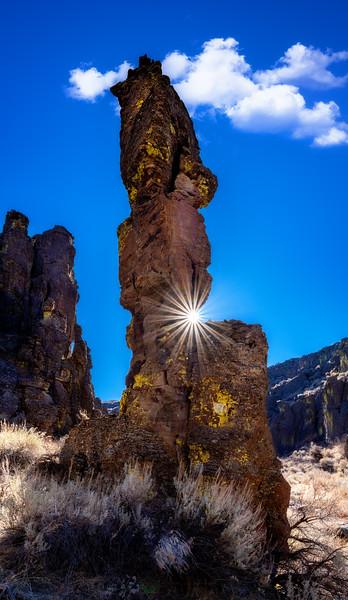 Single Hoodoo pillar and sunburst