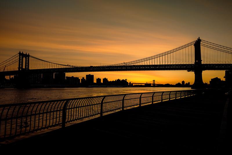 Twilight and silhouette of the Brooklyn Bridge