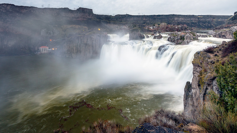 Shoshone falls with mist rising from the Snake river