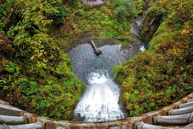 Multnomah Falls Oregon looking down from bridge