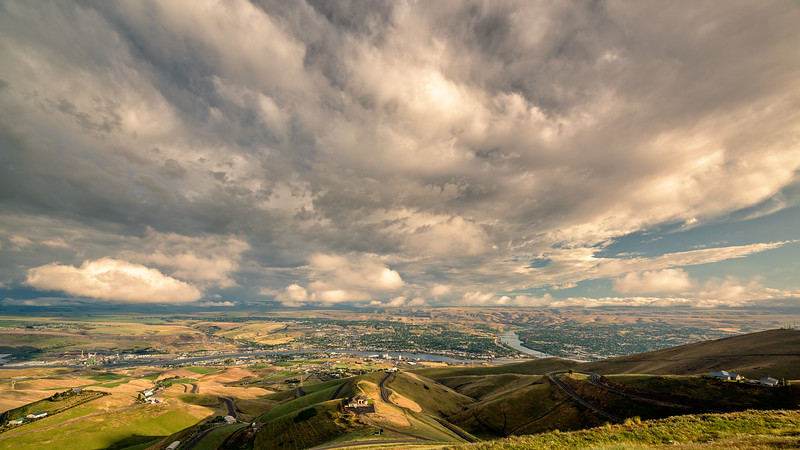 Lewiston Idaho and rivers from above