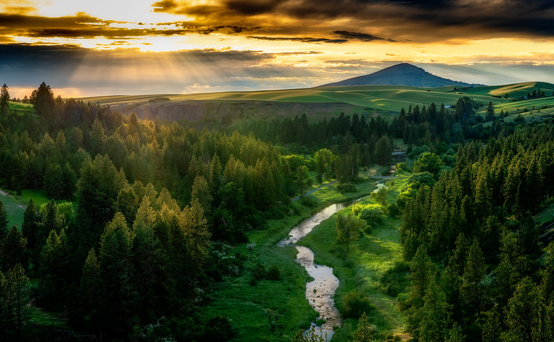 Sunset over the Palouse river with Steptoe Butte