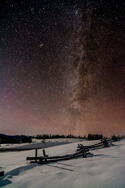 Famous Stanley log fence and Milky Way