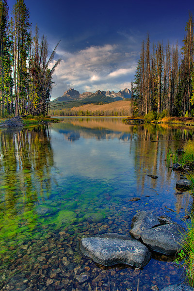 Little Redfish lake outlet in the fall
