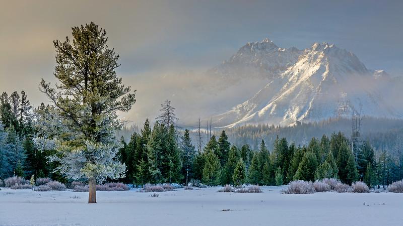 Idaho Sawtooth mountains in winter