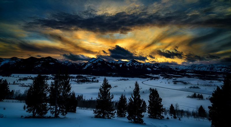 Sunset and delta cloud over the Sawtooth mountains from Galena summit