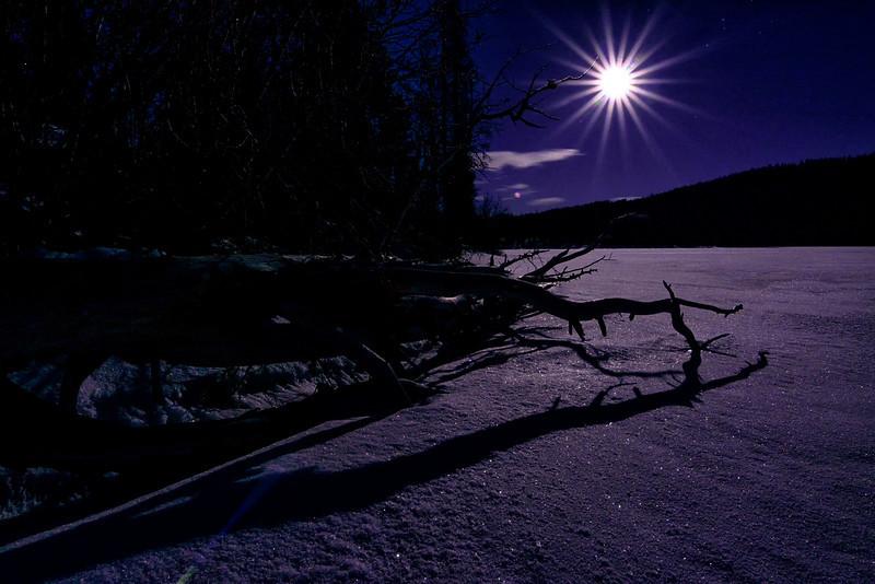 Moon start Stanley Lake winter