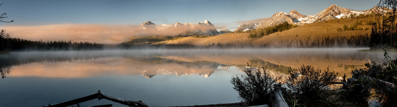 Little Redfish Lake sunrise fog