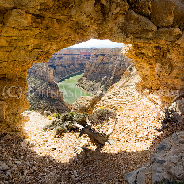 """Bighorn Canyon Arch."""