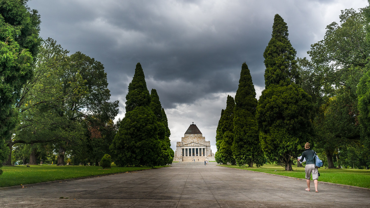 The Tourist visits the Shrine of Remembrance, Melbourne