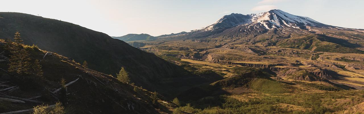 Mt St Helens from Johnston Ridge (Dual-Screen Wallpaper) 01