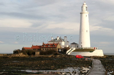 St Mary's Lighthouse at low tide