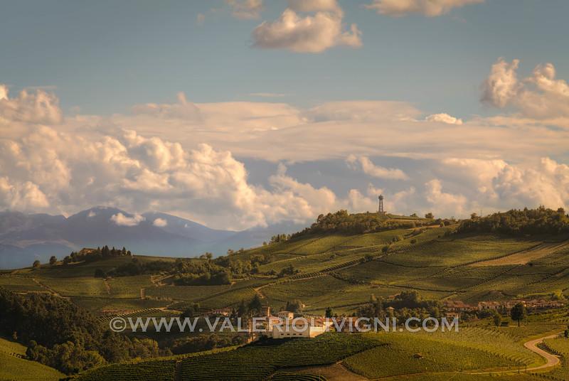 Langhe -  Vineyard landscape from La Morra<br /> © UNESCO & Valerio Li Vigni - Published by UNESCO World Heritage
