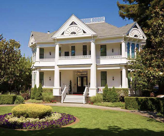 "<h4 style='font-size:12.0pt;font-family:Comic Sans MS;color:pink ' >I have been chosen as the 'Resident Artist' at the <font style=""color:white"" >White House Inn & Spa<font style=""color:pink"" >, a totally renovated/upgraded Victorian mansion on Brown Street in downtown Napa.  A total of 19 large framed pieces grace the common area walls throughout the Inn."