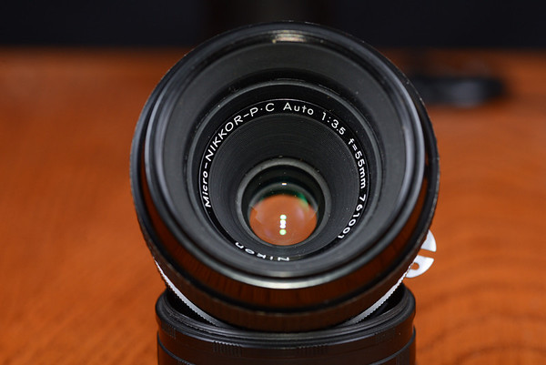 Nikon 55mm f/3.5 macro Optics clean, aperture and focus rings smooth
