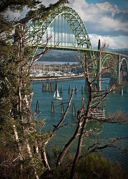 Yaquina Bay Bridge © Derek Helt