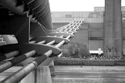 Tate Modern museum across Millennium Bridge
