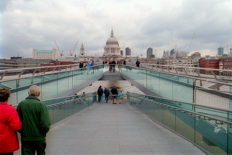Millennium Bridge & St Paul's, 2002
